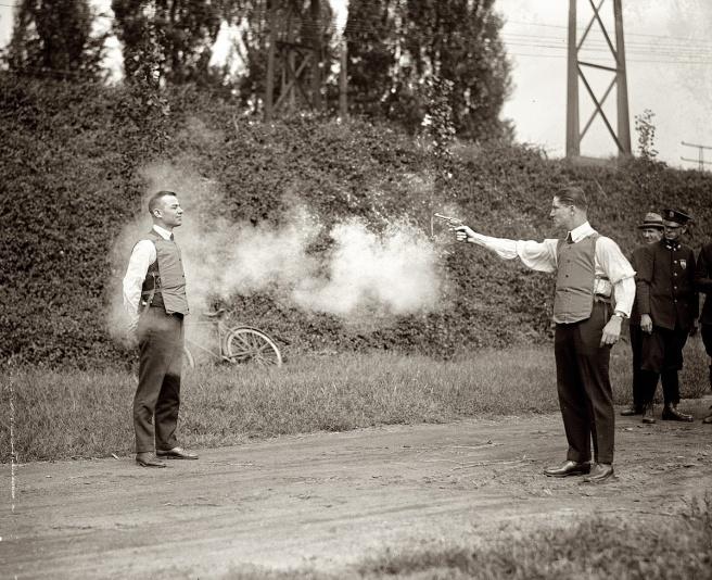 Testing a bulletproof vest, 1923 (3)